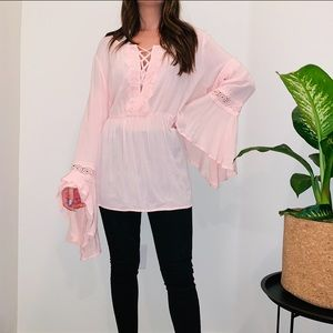 LIGHT PINK LACE BELLE SLEEVE TOP